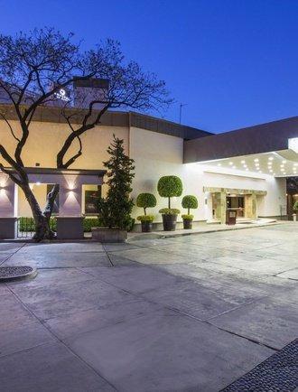 Entrance Krystal Satélite María Bárbara Hotel Tlalnepantla de Baz