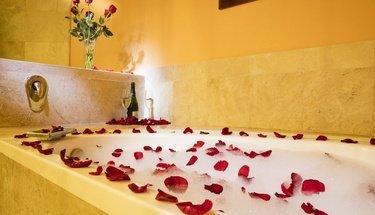 Jr. suite's bathroom Krystal Satélite María Bárbara Hotel Tlalnepantla de Baz